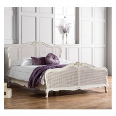 GA Chic 5' Cane Bed Vanilla White
