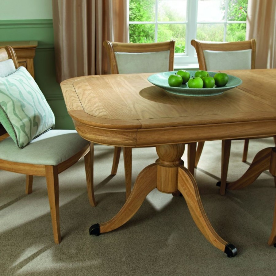 BD Edwardian Oak 6 8 Extension Dining Table